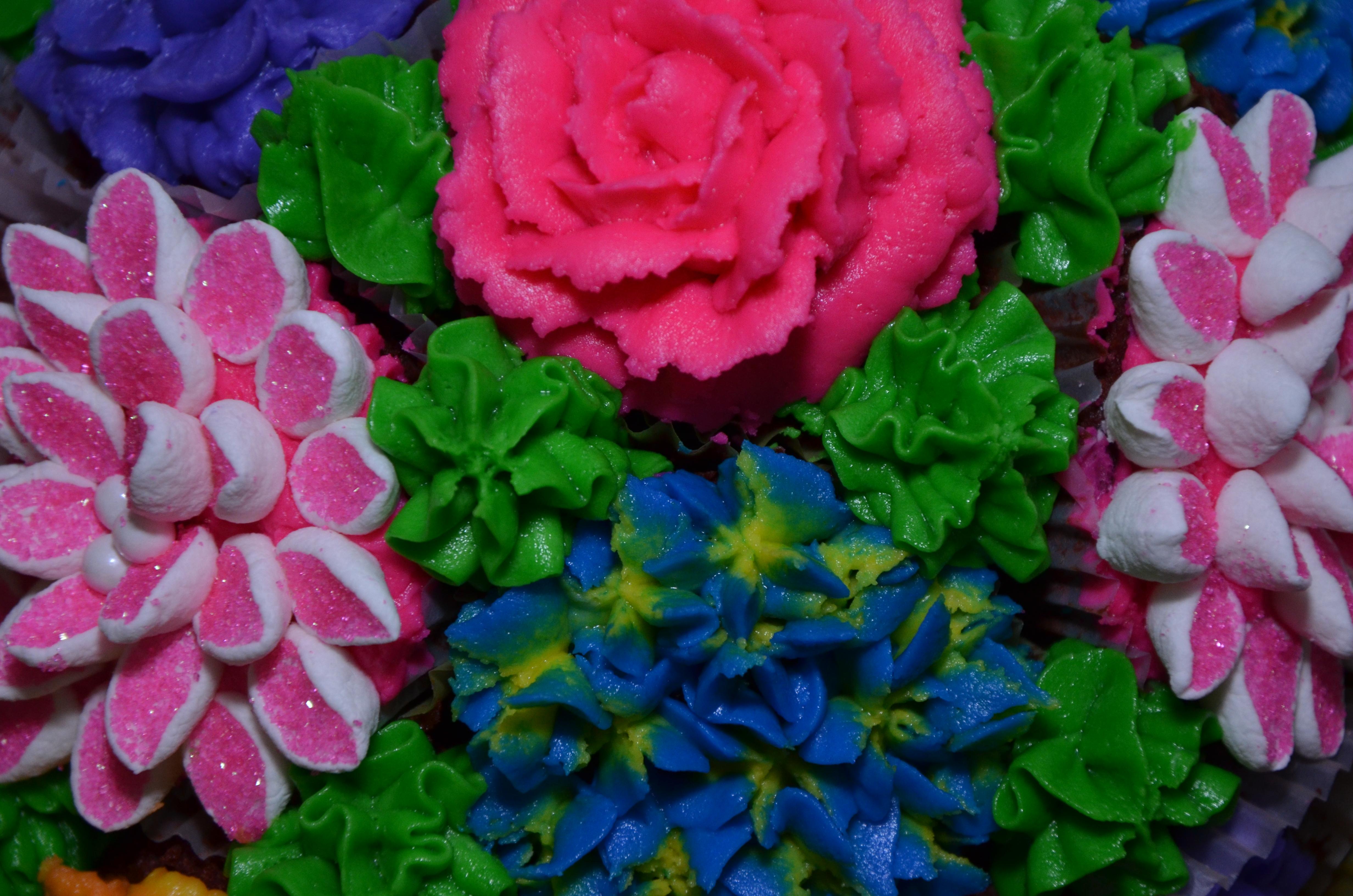 Designer cupcake by grace cakes dsc2005 izmirmasajfo